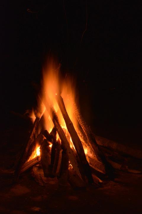 bonfire-554243_960_720